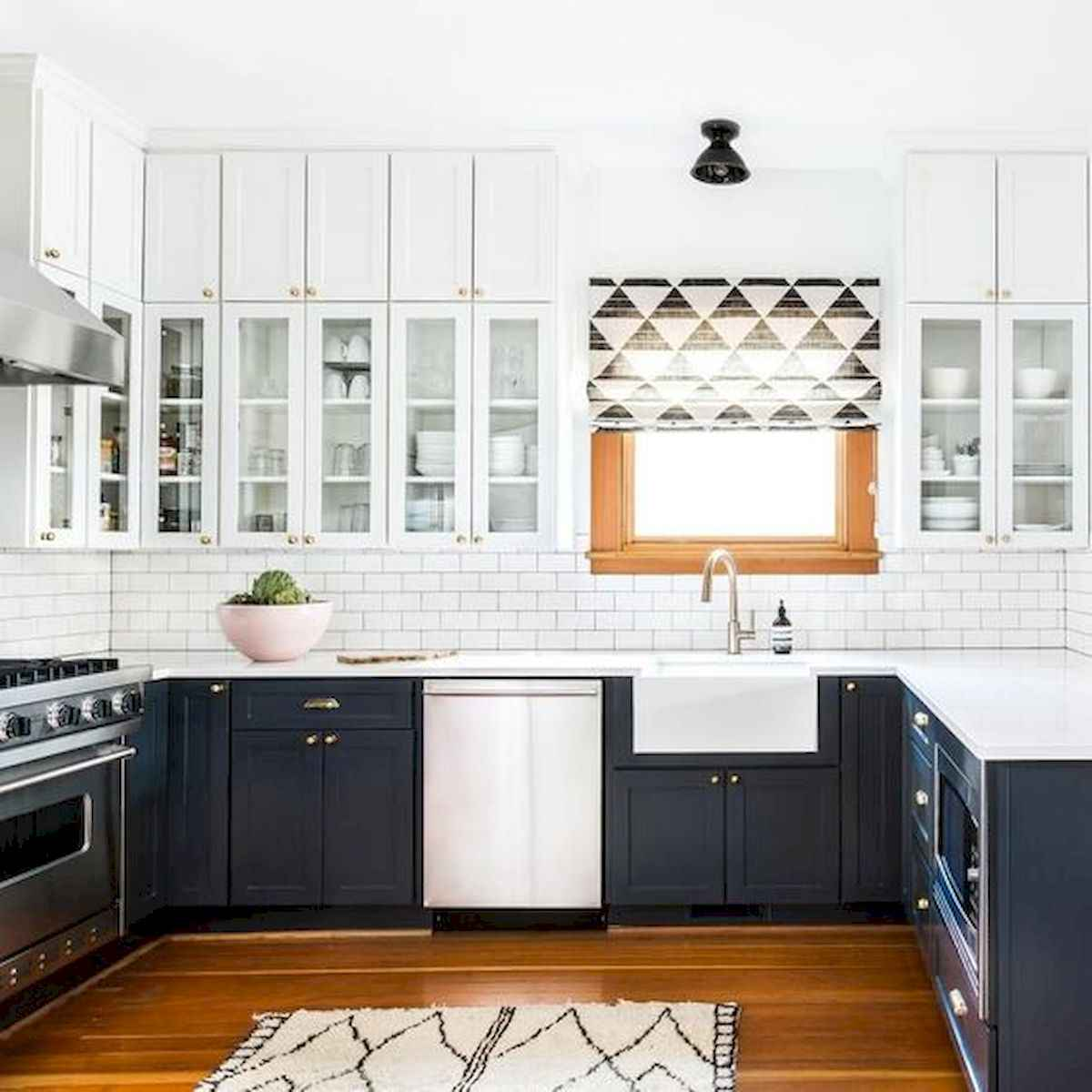 60 Lovely Painted Kitchen Cabinets Two Tone Design Ideas (40)