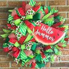 60 Beautiful Front Door Summer Wreath Decor Ideas (24)