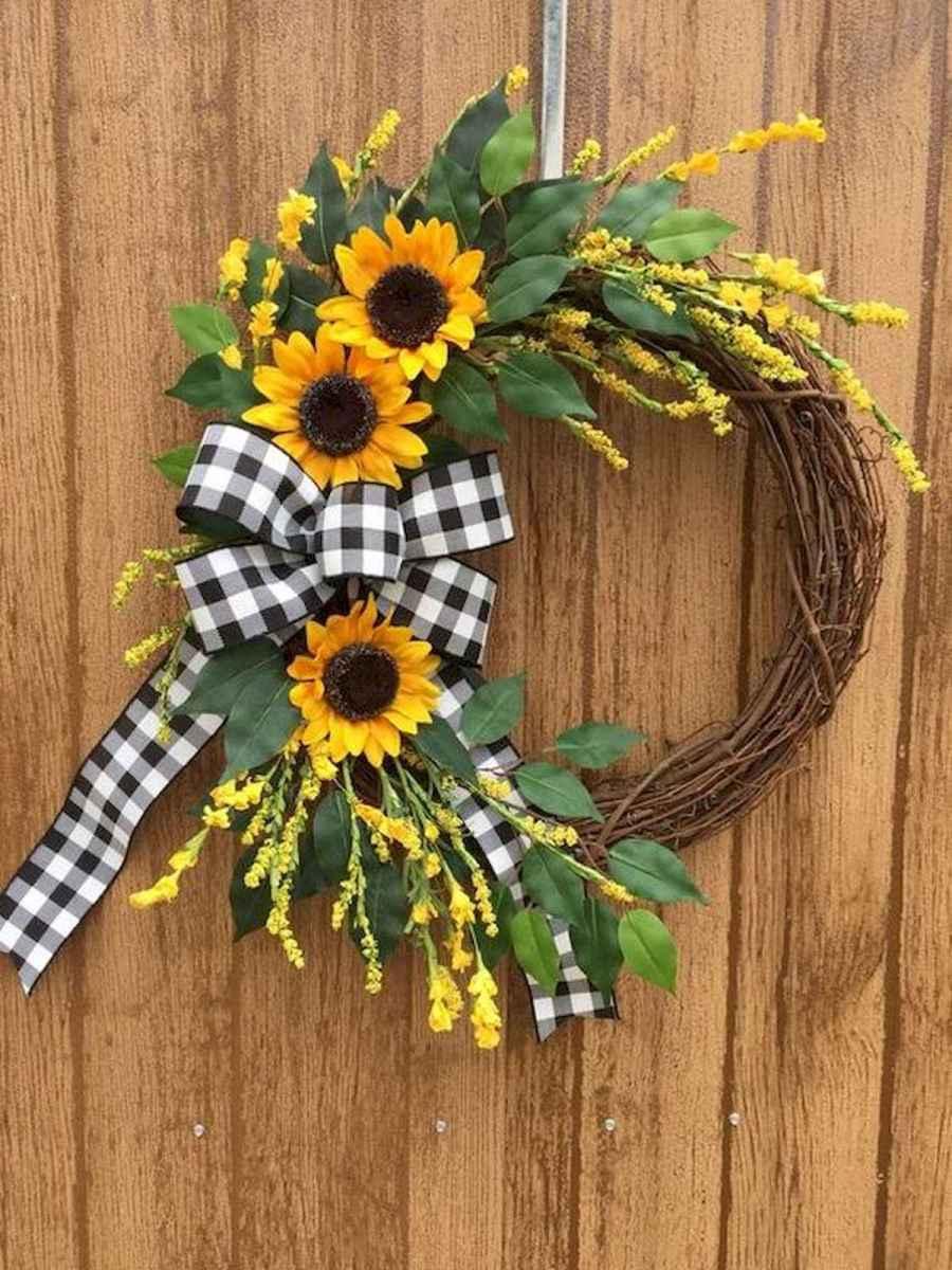 60 Beautiful Front Door Summer Wreath Decor Ideas (30)