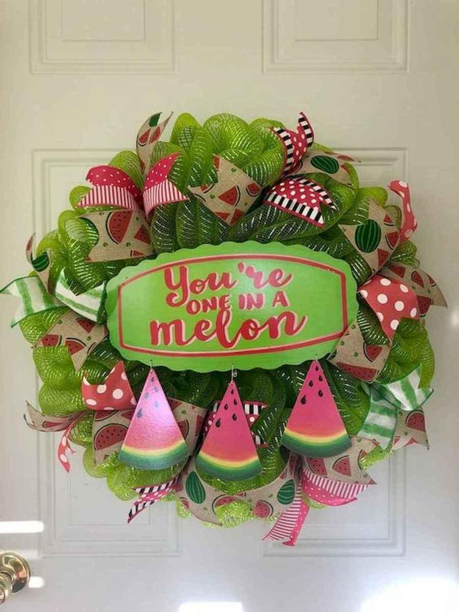 60 Beautiful Front Door Summer Wreath Decor Ideas (53)