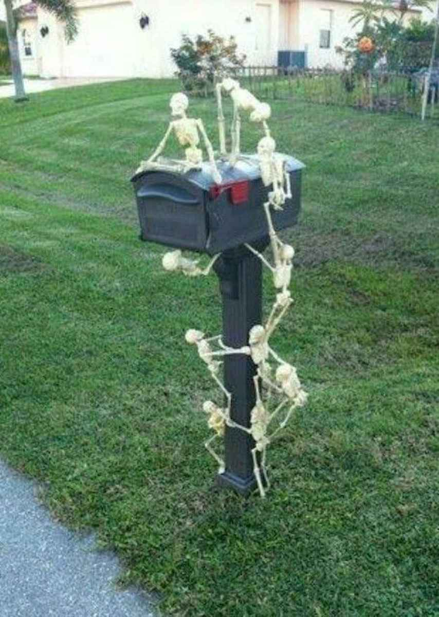 90 Awesome DIY Halloween Decorations Ideas (18)