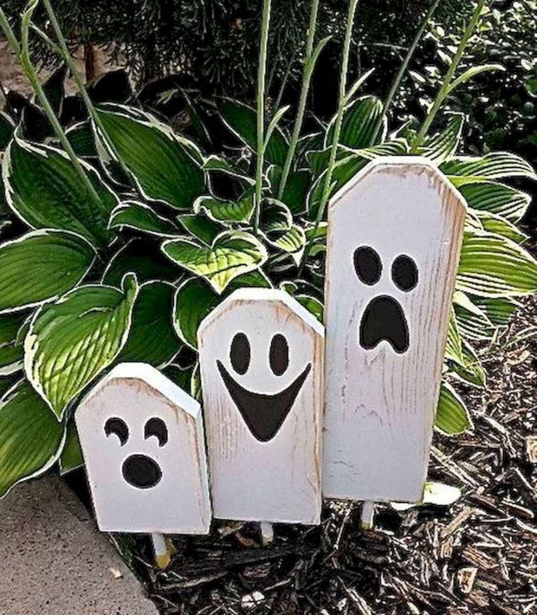 90 Awesome DIY Halloween Decorations Ideas (46)
