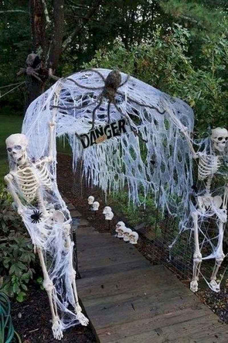 90 Awesome DIY Halloween Decorations Ideas (56)