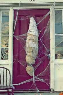90 Awesome DIY Halloween Decorations Ideas (7)