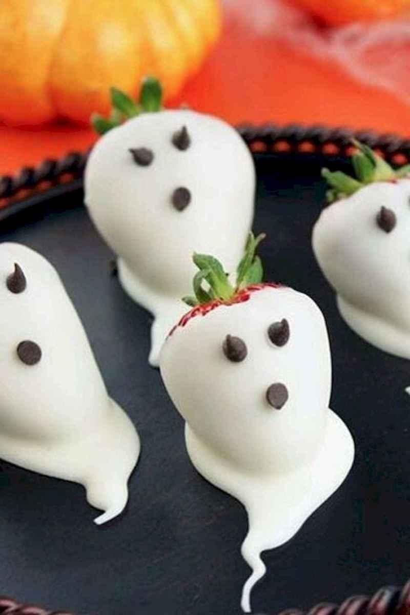 90 Fantastic Halloween Party Decor Ideas (32)