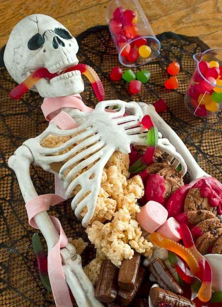 90 Fantastic Halloween Party Decor Ideas (45)