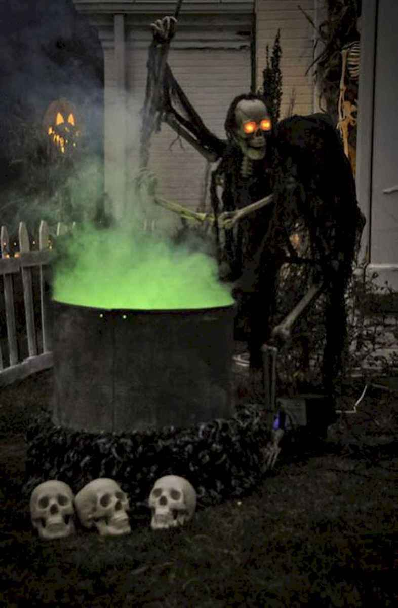 90 Fantastic Halloween Party Decor Ideas (52)