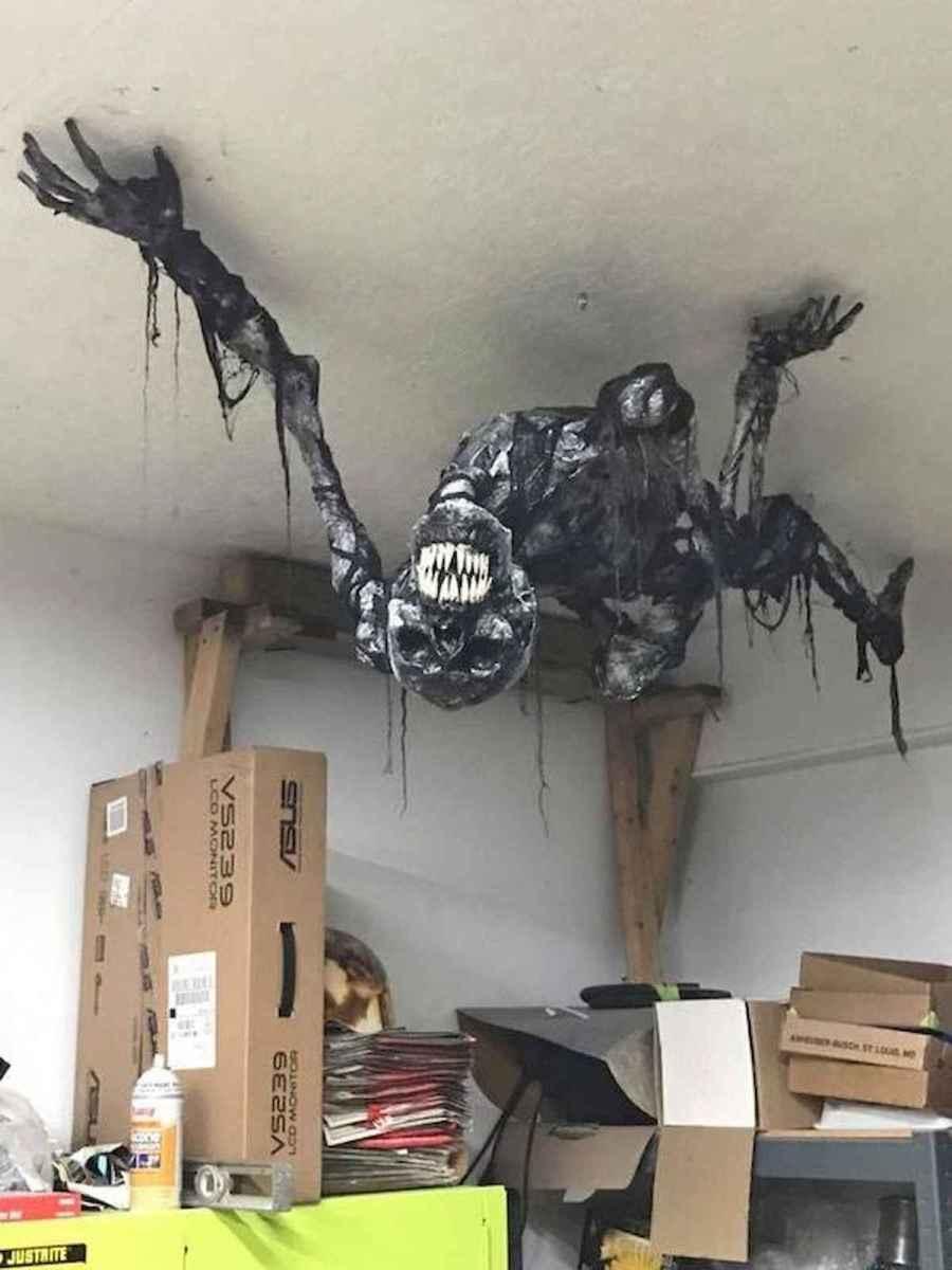 90 Fantastic Halloween Party Decor Ideas (69)