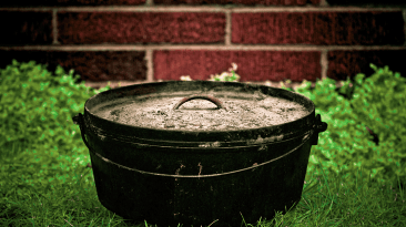 lodge dutch oven review
