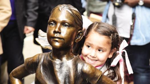 statua bambina