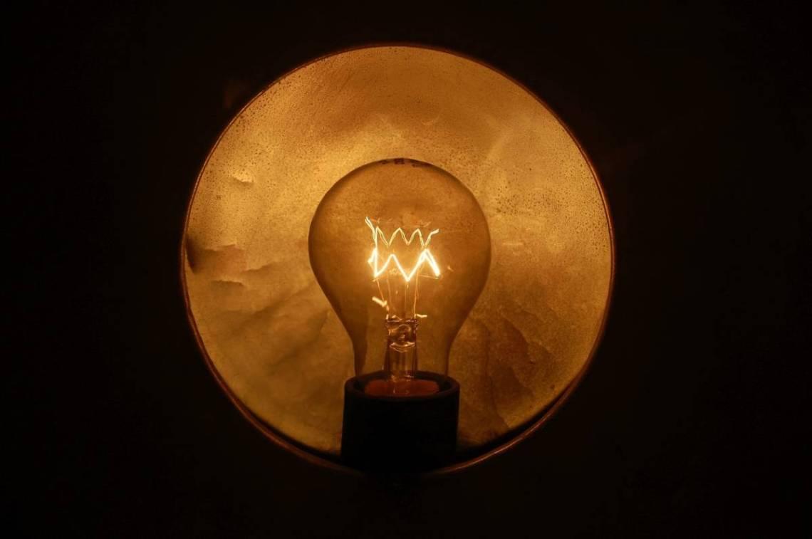 light bulb 1104755 1920 - Wie arbeite ich?