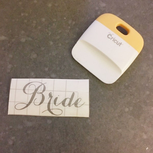cricut-wedding-hangers-12