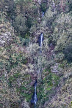Brooks Falls tumbles some 200 feet down the north face of Montara Mountain. Dawn Page/CoastsideSlacking