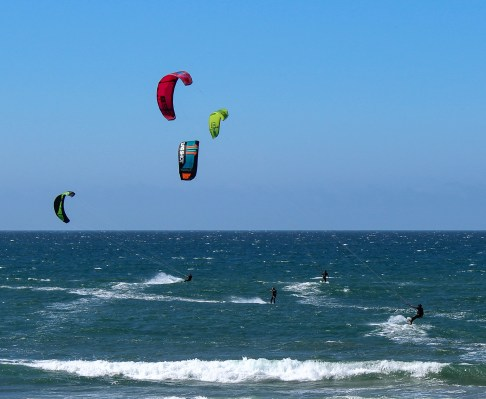 Kite surfing at Waddell Beach near Davenport, CA. Dawn Page / CoastsideSlacking
