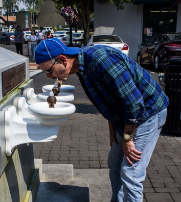 Lithia water from Ashland, Oregon. MontaraManDan takes one for the team. Hmmm. Is it tasty? Dawn Page / CoastsideSlackers