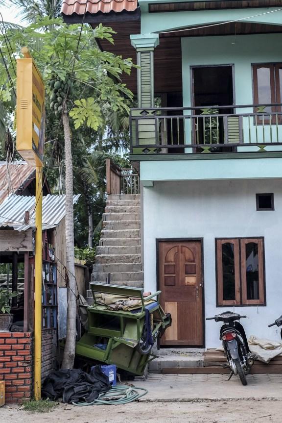 cobalt_state_laos_4000_islands_buildings