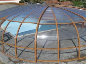 Cubierta de piscina con extremos redondos