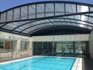 Techo movible para piscina pública