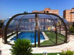 Puertas curvadas en cúpula piscina