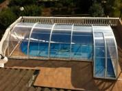 Cubierta de piscina a dos anchuras