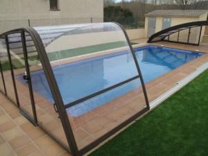 Cubierta de piscina asimétrica