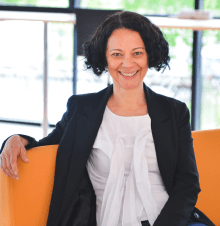 Anca Metiu, Professor of Management and Dean of the PhD programme at ESSEC Business School, explores the question of whether virtual teams can achieve great results despite their distance.