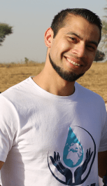 Taking the unconventional route has its benefits – both for individuals and society. An exclusive interview with Davoud Mohamed, an upcoming social entrepreneur in France.