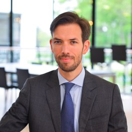 ESSEC Business School Prof. Arthur Gautier with a focus on how reward-based crowdfunding platforms are shaking-up the self-Interest vs. altruism question.