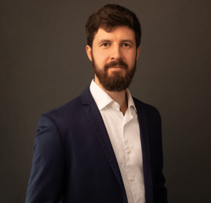 Conscious Business: A new frontier in view. Jean-Sébastien Simon, High Performance Coach and lecturer in Conscious Business at ESSEC Business School provides an opening, pathfinder feature on the nature of Conscious Business.