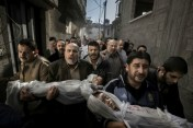 15. El drama de Gaza se lleva el World Press Photo (Paul Hansen)