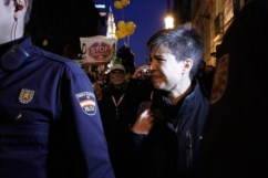 16. Talegón, expulsada de la marcha antidesahucios (A. Di Lolli)
