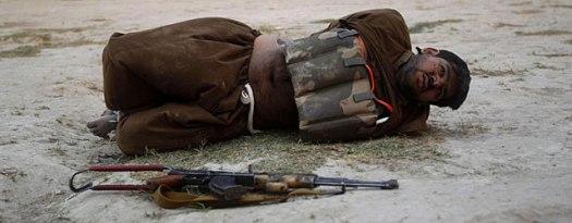 1. Un suicida detenido in extremis en Jalalabad (Reuters)