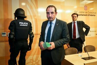 4. Imputados 8 mossos por la muerte de un detenido en El Vendrell (Albert Garcia)