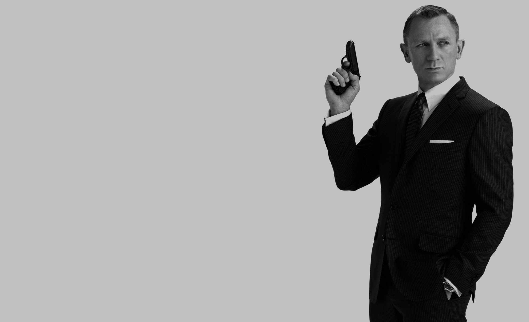 Apple y Amazon estarían compitiendo por comprar la franquicia de James Bond