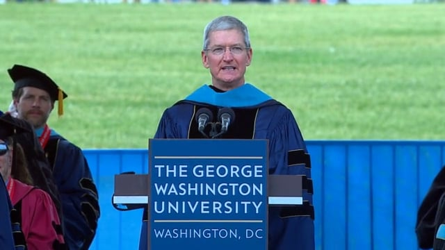 Photo of Discurso de Formatura de Tim Cook na George Washington University