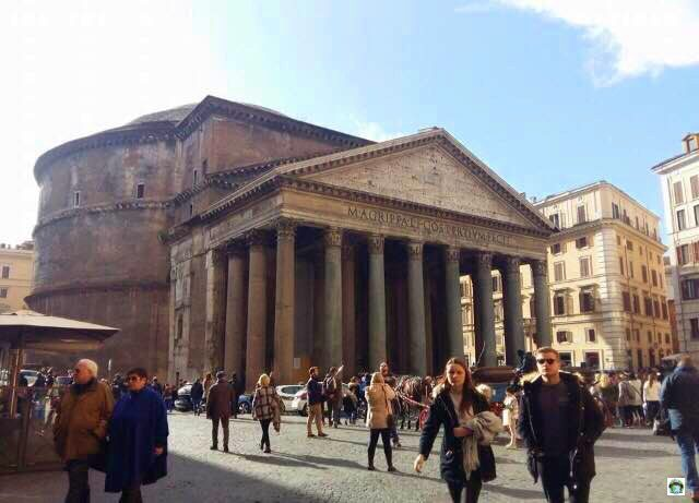 Roma Pantheon - Cocco on the road