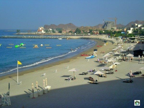 spiaggia Radisson Blu Fujairah