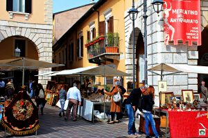 mercatini antiquariato a Desenzano - Cocco on the road