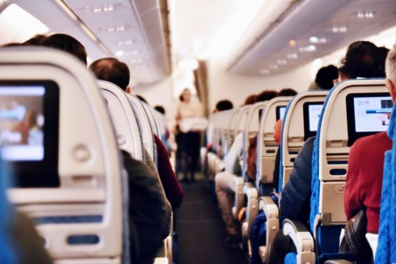 aereo lungo viaggio jet lag