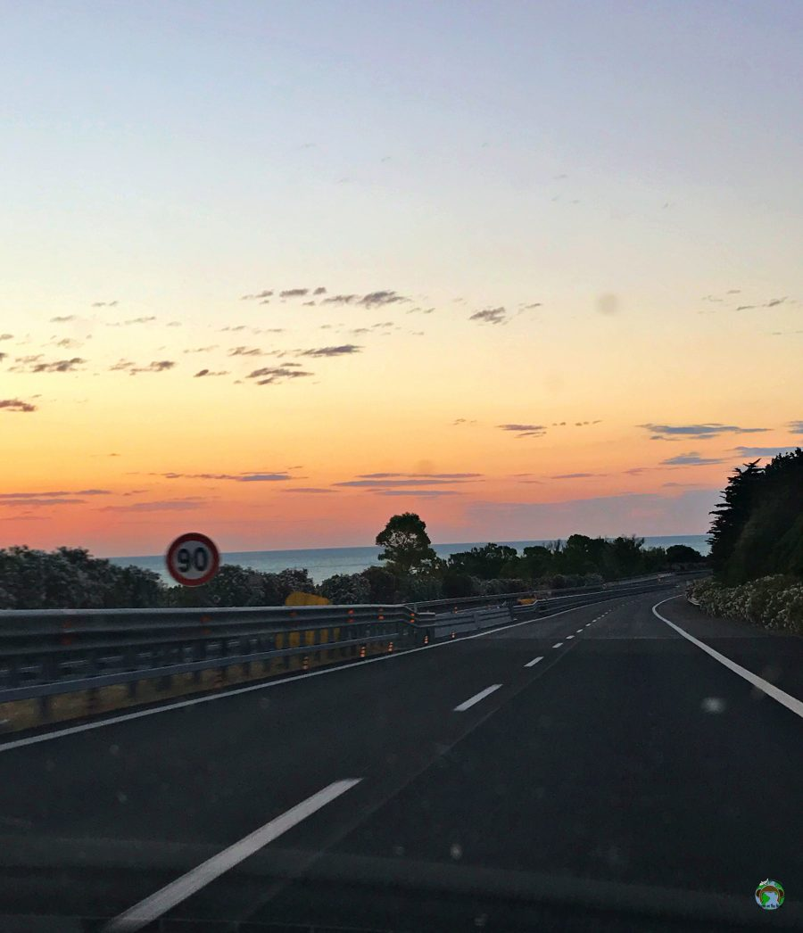 Alba in autostrada - Cocco on the road