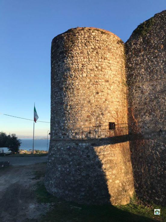 lago di garda castello