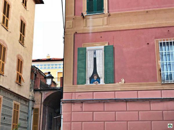 borgo finestre dipinte
