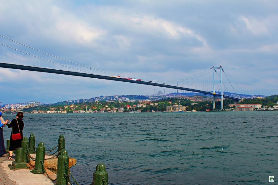 Il ponte sul Bosforo Istanbul