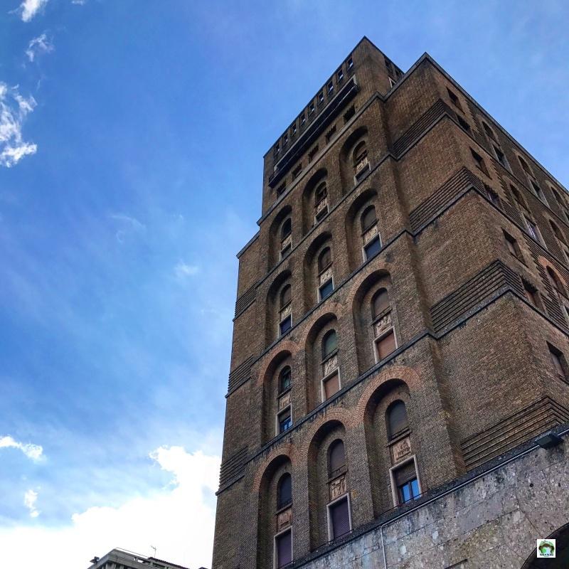 Brescia cosa vedere piazza della Vittoria