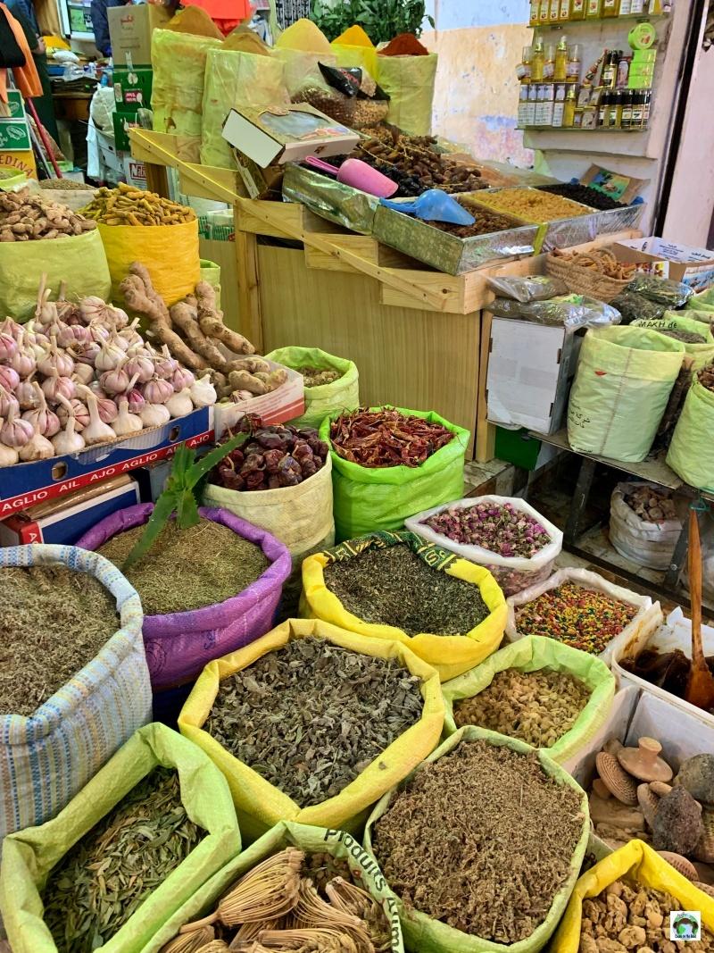 Mercato e spezie a Tangeri