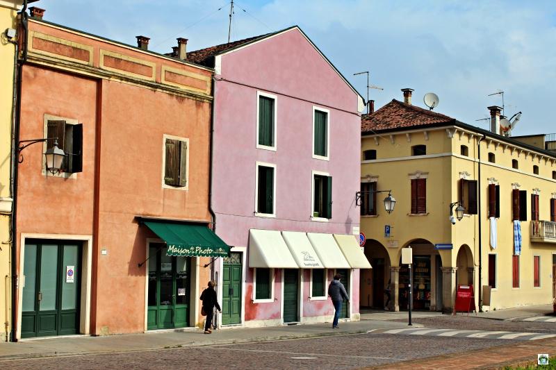 case colorate borgo Montagnana