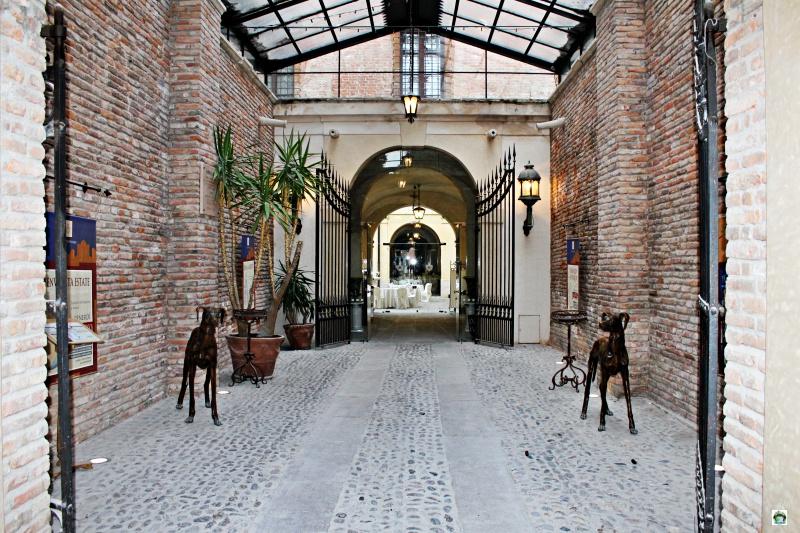 entrata castello bevilacqua