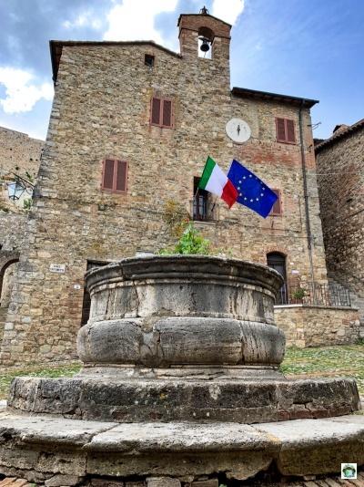 piazza Castiglione d'Orcia
