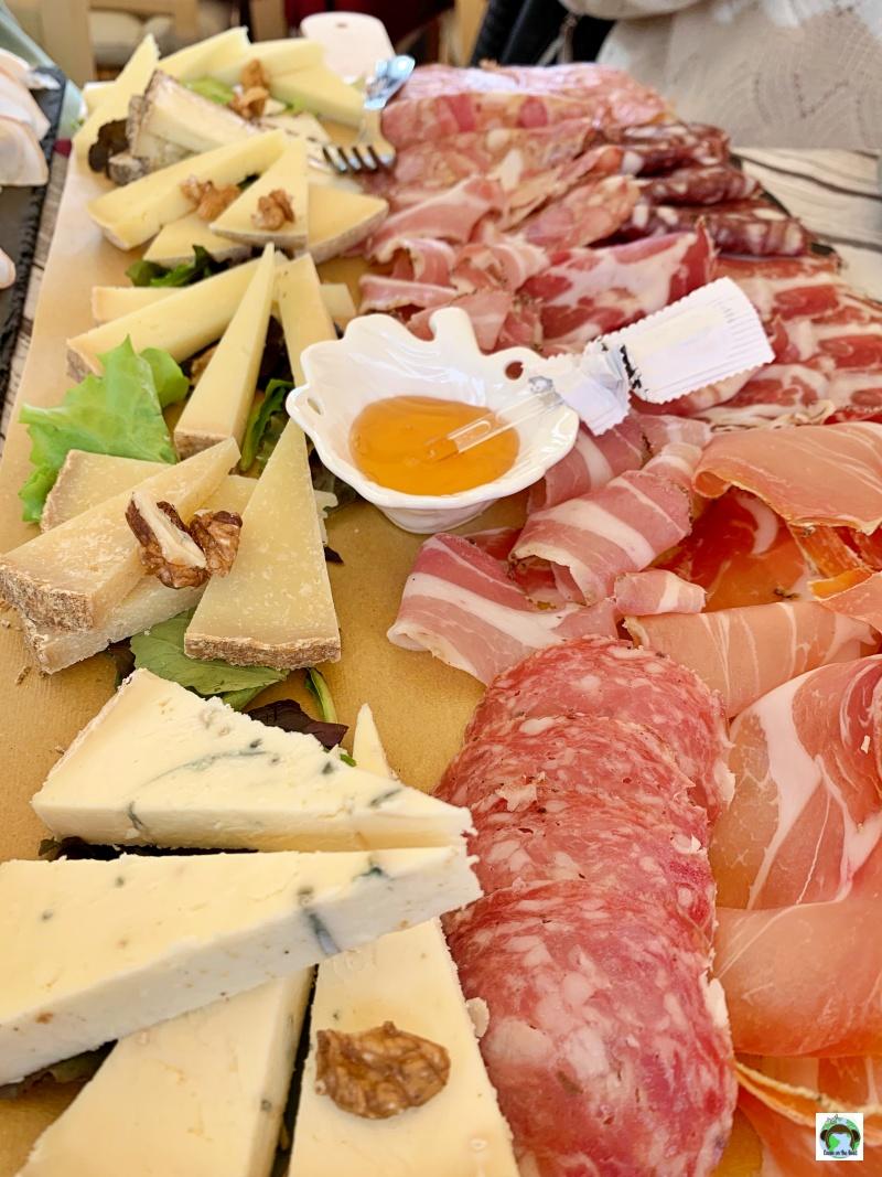 salumi e formaggi di Colonnata