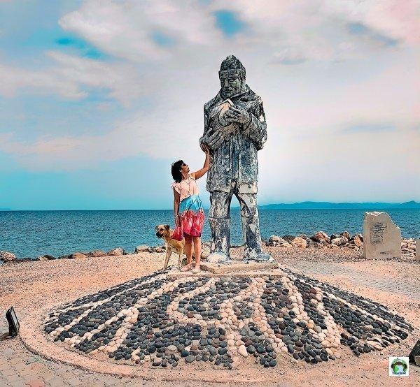 Mordogan Izmir statua pescatore